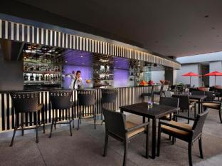 Amari Watergate Hotel Bangkok - Food, drink and entertainment