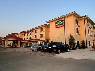 โรงแรมคอร์ทยาดบายแมริออทฮัตตันเวสยูนิเวอร์ซิตี้