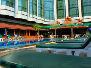 Empress Hotel Chiang Mai - Swimming Pool
