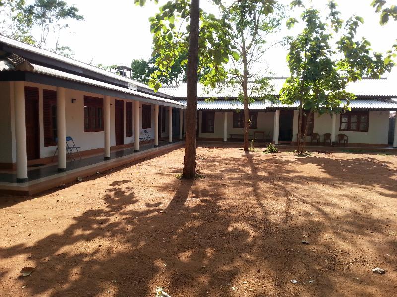 Senuri Holiday Resort - Hotels and Accommodation in Sri Lanka, Asia