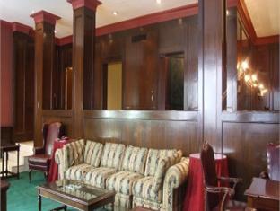 Hotel La Estancia Leon - Suite Room