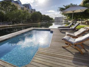 Waterfront Village Cape Town - Swimming Pool