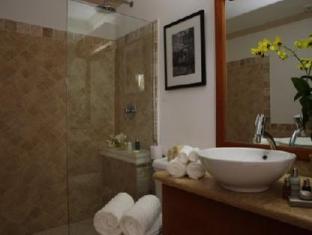 Silver Point Villa Hotel Christ Church - Bathroom