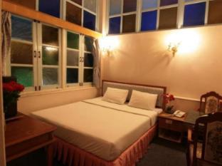 13 Coins Antique Villa Hotel Bangkok - Guest Room