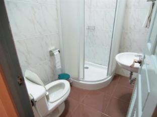 13 Coins Antique Villa Hotel Bangkok - Bathroom