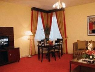 Howard Johnson Diplomat Hotel Abu Dhabi - Suite apartment