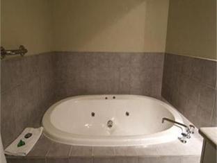 Comfort Inn Ringwood Lake Hotel Melbourne - Bathroom