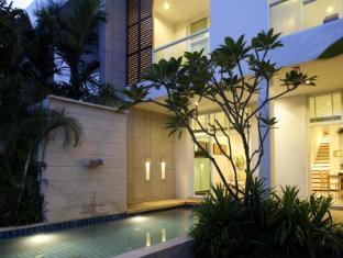 Two Villas Holiday Phuket: Oxygen Style Nai Harn Beach Phuket - Interior