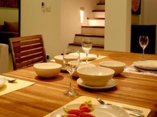Two Villas Holiday Phuket: Oxygen Style Nai Harn Beach Phuket - Kitchen