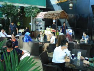 Grand Borneo Hotel Kota Kinabalu - Sidewalk Cafe