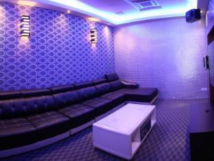 Grand Borneo Hotel Kota Kinabalu - Karaoke - Private Room