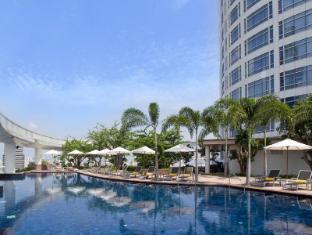 Centara Grand at Central World Hotel Bangkok - Swimming Pool