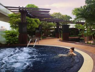 Centara Grand at Central World Hotel Bangkok - Jacuzzi