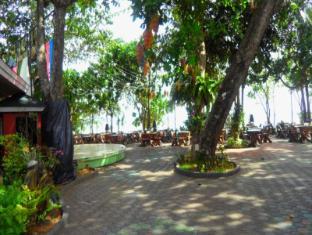 Golden Beach Resort Krabi - Beach front restaurant