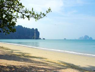 Golden Beach Resort Krabi - Beach