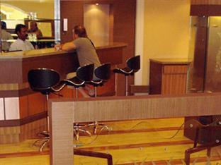 Hotel Ideal Tower Varanasi - Food, drink and entertainment