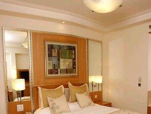 Pride Park Premier Hotel - Gurgaon New Delhi and NCR - Deluxe Room