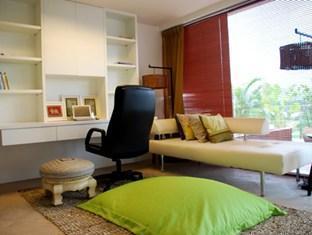 The Lantern Resort and Residence Phuket - Living Area