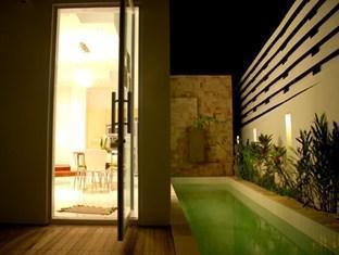 The Lantern Resort and Residence Phuket - Swimming Pool