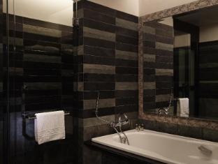 Pullman Putrajaya Lakeside Hotel Kuala Lumpur - Bathroom
