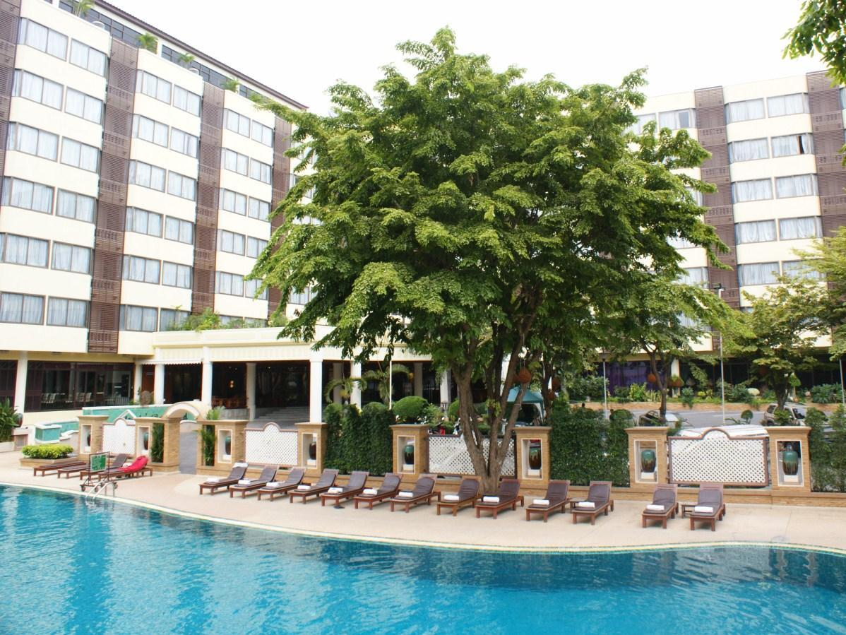 Mountain Beach Hotel