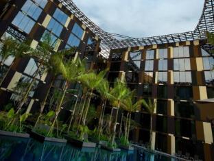 Crowne Plaza Hotel Changi Airport Singapore - Interior