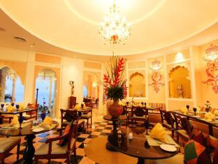 Royal Cliff Beach Hotel by Royal Cliff Hotels Group Pattaya - Food, drink and entertainment