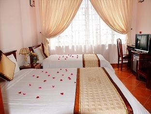 Hue Holiday Hotel - Room type photo