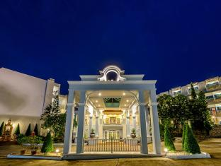 Andaman Seaview Hotel Karon Beach Phuket - Entrance