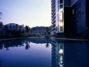 Century Suria Service Suites Langkawi - Schwimmbad
