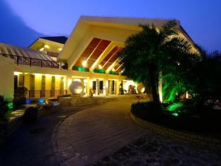 China Hotel Accommodation Cheap | Huan Dao Beach hotel Sanya - Entrance