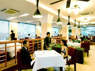 Sokha Club Hotel Phnom Penh - Food, drink and entertainment