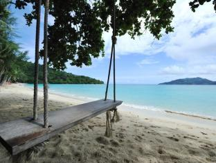 Tri Trang Beach Resort by Diva Management Phuket - Private Beach
