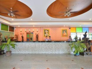 Tri Trang Beach Resort by Diva Management Phuket - At lobby