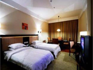 Sky Gold Coast Hotel - Room type photo