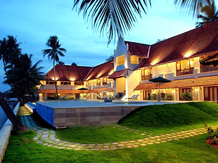 Lemon Tree Vembanad Lake Resort - Hotell och Boende i Indien i Alleppey