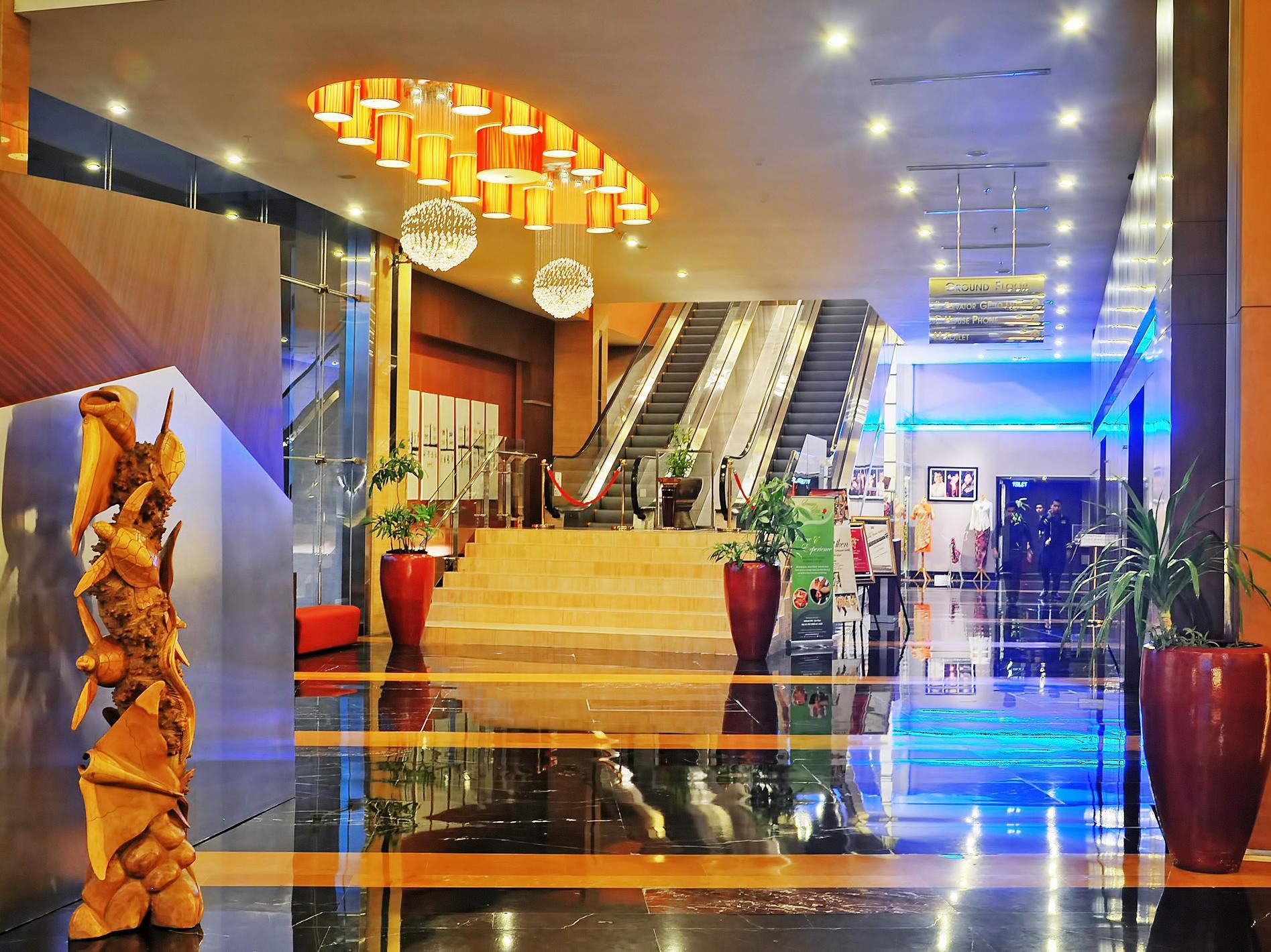 Hotell Gumaya Tower Hotel Semarang