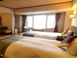 โรงแรม โทยาโกะ มังเซย์คาคุ เลคไซด์ เทอร์เรส  (Toyako Manseikaku Hotel Lakeside Terrace)