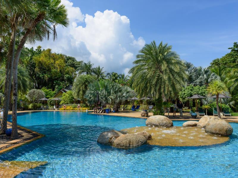 Moevenpick Resort & Spa Karon Beach Phuket Пхукет - Оточення