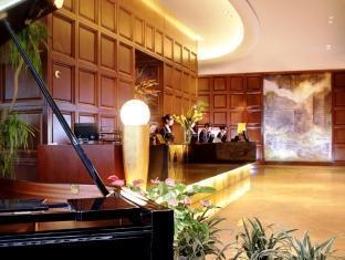 Ramada Plaza Gateway Hotel - More photos