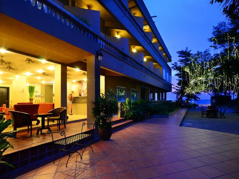 Hotell Isawanya Beach Resort i , Pattaya. Klicka för att läsa mer och skicka bokningsförfrågan