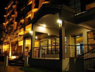 Lancaster Hotel Cebu - Hotellet udefra