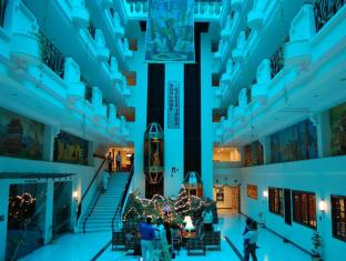Radha Regent Hotel Chennai - Lobby