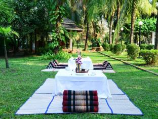 Ree Hotel Siem Reap - High-Tea with Garden View