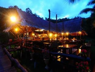 Tenta Nakara Resort and Restaurant Phuket - Restaurace
