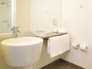 Ibis Melbourne Glen Waverley Hotel Melbourne - Bathroom