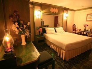 13 Coins Tower Ratchada Hotel Bangkok - Grand Deluxe Suite Double