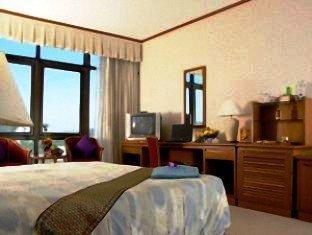 โรงแรมรอยัล ภูเก็ต ซิตี้