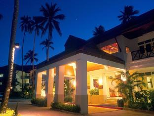 Amora Beach Resort פוקט - בית המלון מבחוץ
