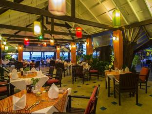 Amora Beach Resort Phuket - Thai Seafood Restaurant
